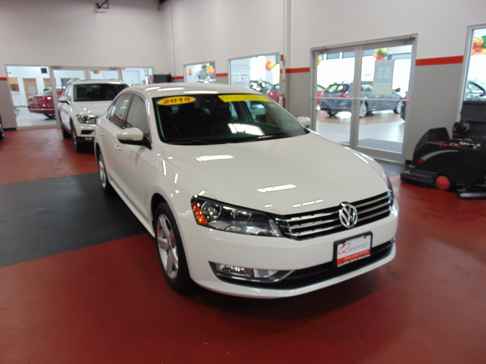 pre owned 2015 volkswagen passat 1 8t limited edition 4dr. Black Bedroom Furniture Sets. Home Design Ideas
