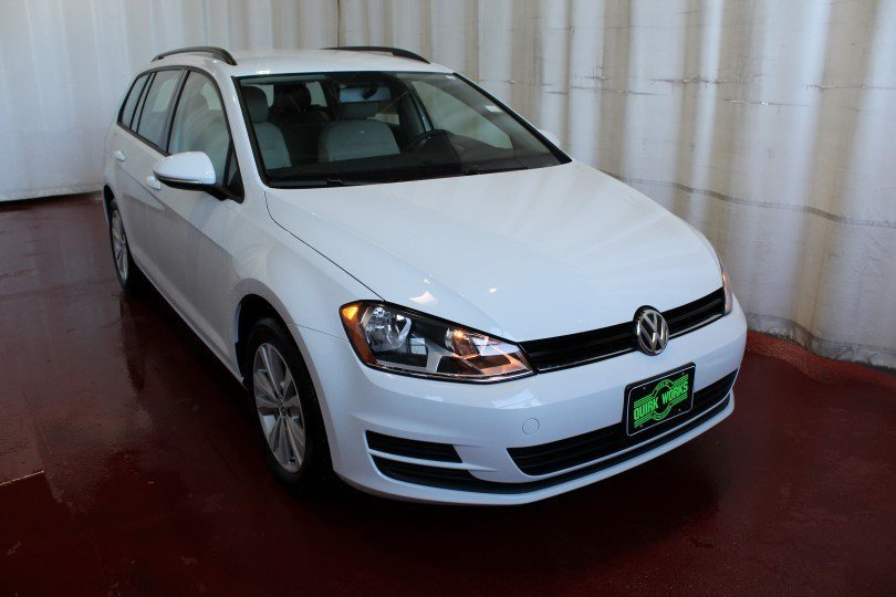 New 2017 Volkswagen Golf SportWagen S
